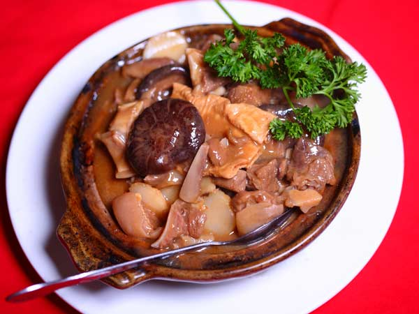 Braised Lamb and Dry Bean Curd in Hot Pot