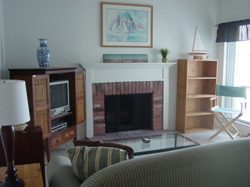 1 Bed / 1.5 Bath Townhouse