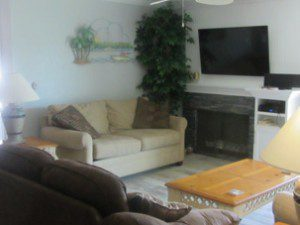 3 Bed / 2 Bath Waterfront